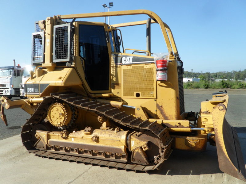 Caterpillar D5N XL Dozer