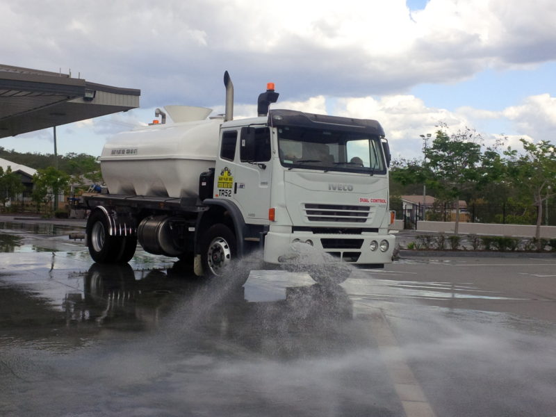 Iveco Acco 2350 9,000Lt 4x2 Water Truck
