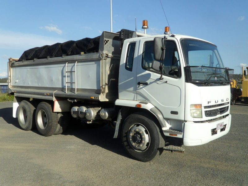 Mitsubishi Fighter 6x4 Tipper