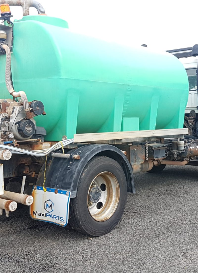 The Advantages of Hiring a Water Truck for Construction Sites