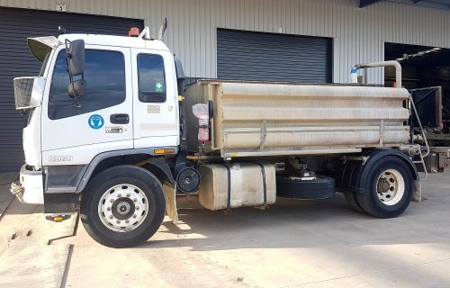 Buy TR76 2004 Isuzu FVR950 Long Sitec 275 8,000Lt 4x2 Water Truck at RediPlant