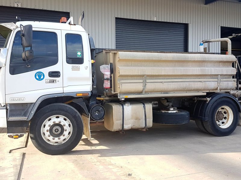 TR76 2004 Isuzu FVR950 Long Sitec 275 8,000Lt 4x2 Water Truck