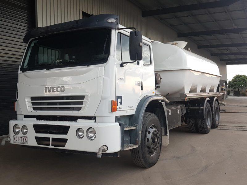 TR51 2008 International Acco 2350G 15,000Lt 6x4 Water Truck